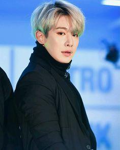 #Wonho #Hoseok #원호 #신호석