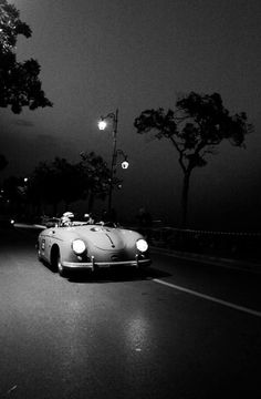 Porsche 356 / open air by night