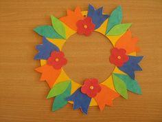 Jarní věneček - dekorace z barevného kartonu