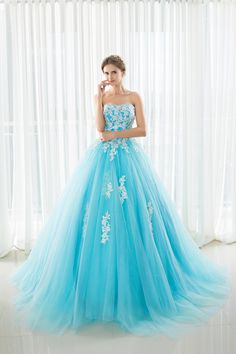 e5f0e668336f7 In Stock Sweetheart Quinceanera Dresses Ball Gowns With Appliques Lace Up  Sweet 16 Dresses Vestidos De 15 Years Party Gowns-in Quinceanera Dresses  from ...