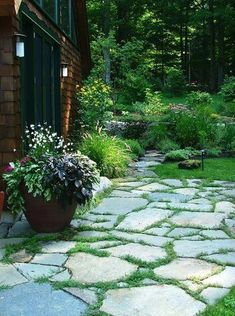 I appreciate this breathtaking photo – Garden İdeas Backyard Plan, Backyard Patio Designs, Patio Ideas, Farmhouse Landscaping, Fence Landscaping, Stone Patio Designs, Pinterest Garden, Garden Stepping Stones, Flagstone Patio