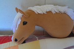 Runaway's Horses Fabric Crafts, Sewing Crafts, Stick Horses, Hobby Horse, Horse Photos, Amelie, Dinosaur Stuffed Animal, Dolls, Outfit