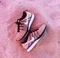 2014 cheap nike shoes for sale info collection off big discount.New nike roshe run,lebron james shoes,authentic jordans and nike foamposites 2014 online. Nike Free Shoes, Nike Shoes Outlet, Nike Sportswear, Cute Shoes, Me Too Shoes, Baskets, Nike Free Runners, Nike Flyknit, Nike Shox