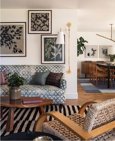 Home Interior Design .Home Interior Design Home Interior, Interior Design, Interior Stylist, Seattle Homes, Warm Home Decor, Vintage Chairs, Mid Century House, Cozy House, Midcentury Modern