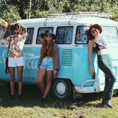 (notitle) Girls and VW-Buses Volkswagen Transporter, Vw Bus, Vw Camper, Volkswagen Minibus, Bus Girl, Car Girls, Classy Women, Star Fashion, Summer Collection