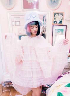 "Melanie Martinez: Get her EP ""DollHouse"" on iTunes.Melanie Martinez: Get her EP ""DollHouse"" on iTunes. Melanie Martinez Fotos, Crybaby Melanie Martinez, Melanie Martinez Dollhouse, Melanie Martinez Dress, Adele, Cry Baby, Sending Love And Light, Mode Kawaii, Looks Vintage"