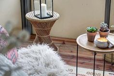 Fresh scandinavian apartment with nice details Boho Deco, Scandinavian Apartment, Swedish House, Nordic Style, Decoration, Home Goods, Living Room, Chic, Furniture