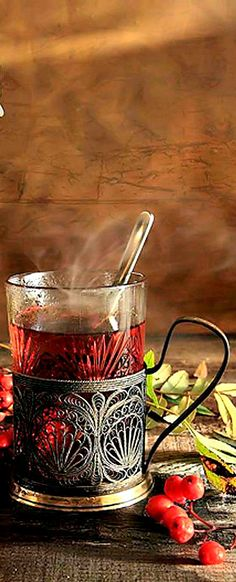 Feel delicate aroma of drinking tea from glass in a glass-holder with cubes of sugar! This Russian tradition makes tea drinking extremely positive and invigorating. Coffee Time, Tea Time, Zar Nikolaus Ii, Chocolate Cafe, Russian Tea, Tea Culture, Cuppa Tea, Tea Art, My Cup Of Tea