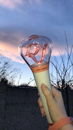 my red velvet lightstick aesthetic cr: kokopoppy<br> Rv Wallpaper, Velvet Wallpaper, Pink Wallpaper Iphone, Trendy Wallpaper, Seulgi, Kpop Girl Groups, Kpop Girls, Red Velvet Lightstick, K Pop