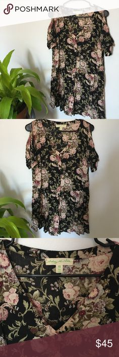 Floral Urban Dress My favorite floral dress by far! Adorable with sneakers and birks! 🌸 Urban Outfitters Dresses