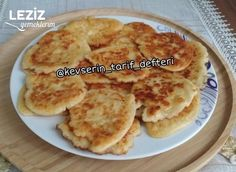 Kahvaltıya Lalanga Tarifi Breakfast Items, Main Dishes, Deserts, Good Food, Brunch, Food And Drink, Appetizers, Pizza, Cooking