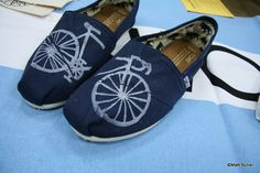 Bike TOMS Shoes // #TOMSshoes TOMS Shoes #OneforOne One for One #StyleYourSole Style Your Sole #DIY