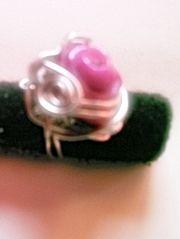 Anilos vintage con rosa de porcelana. wwww.artesbazar.es.tl