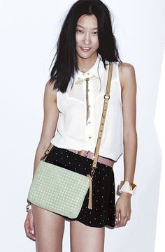 Girls, a crossover bag is the safest choice for travel in Europe! It protects you from pickpockets.