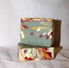 Ladybee Soaps. honeysuckle cold process soap made with honeysuckle surplus fragrance from bramble berry! #CP #BB Making and cutting videos after the link!!!!