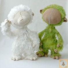 """""""Тушки"""" готовы. Ура!   Сейчас желание одно: убрать """"лебяжку"""" подальше и не вспоминать о ней подольше  А впереди оформление ... #amigurumi#crochet#knitting#cute#handmade#амигуруми#вязание#игрушки#интересное#ручнаяработа#рукоделие#weamiguru#вяжутнетолькобабушки#вяжуслюбовью#вяжупродаю#назаказ#вяжукрючком #процессы #этап #впроцессе #творчество #process #stage #creative# by e.himinchenko"""