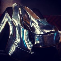 Spice Girl much #2? Oh my, oh my... #topshop, #spicegirls #shoes #metallic