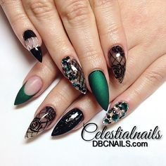 Emerald and black stiletto nails #trythisnail