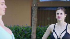 Алехандра Гутьеррез, Лиза Глив И Диора Бэрд В Купальниках – Нас Приняли! (2006)
