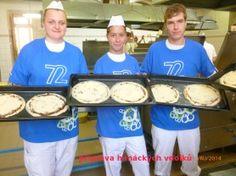příprava vdolků pro školní jídelnu Muffin, Breakfast, Food, Morning Coffee, Essen, Muffins, Meals, Cupcakes, Yemek