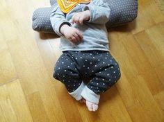 Ce que j'aime le plus c'est les sarouels et leggings pour mes bébés. Je suis complètement folle et faible car j'en achète beaucoup. Et beaucoup trop ! Je flashe sur ceux de chez zara ou laredoute. ...