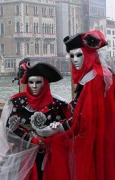 R Carnaval Venetian Venetian Costumes, Venice Carnival Costumes, Mardi Gras Carnival, Venetian Carnival Masks, Carnival Of Venice, Venetian Masquerade, Masquerade Ball, Venice Carnivale, Venice Mask