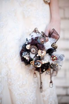 steampunk wedding ideas-brown wedding bouquet