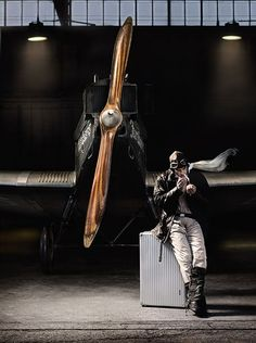 RIMOWA luggage with the legendary aircraft like grooves. Rimowa, Diesel Punk, Aviation Art, Aviation Mechanic, Mans World, Military Aircraft, Cool Stuff, Guy Stuff, Pictures