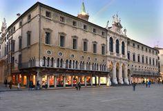 Piazza dei Signori, Vicenza, Italy (ph Saverio Bortolamei)