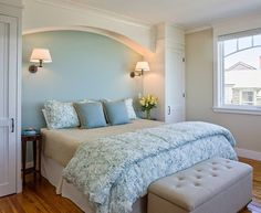 Love the arch and storage space