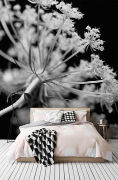 Stark contrast and beautiful tone make this a truly stunning wallpaper. Perfect for creating a stylish and sophisticated setting.