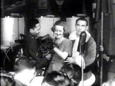 Famous Hollywood Actresses 1900 - Davis , Hollywood Canteen, 1943 - with santa Eddie Cantor (R) Bette Davis gets a gift dog at Hollywood Canteen, 1943 - with Eddie Cantor on her right. Old Hollywood Stars, Golden Age Of Hollywood, Vintage Hollywood, Classic Hollywood, John Garfield, Bette Davis Eyes, Jazz Band, Glamour Shots, Hollywood Actresses