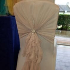 Diy Folding Chair Cover - Home Furniture Design Wedding Venue Decorations, Wedding Table Centerpieces, Wedding Chairs, Ball Decorations, Wedding Fayre, Wedding Ideas, Diy Wedding, Folding Chair Covers, Fold Up Chairs