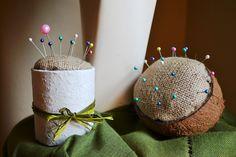 Moniki własnoręcznie zrobione i sfotografowane poduszeczki na szpileczki :)