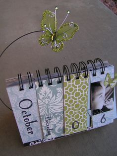 Items similar to PDF Tutorial --- Perpetual Desktop Calendar --- Create Your Own Gifts This Christmas on Etsy Scrapbook Albums, Scrapbook Paper, Cute Calendar, Flip Calendar, Calendar Ideas, Craft Gifts, Diy Gifts, Mini Albums, Up Book