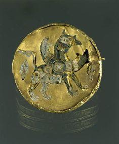 Byzance VIIIe - IXe siècle  Médaillon : Griffon  Email cloisonné sur or