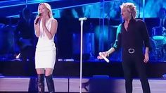 """Rod Stewart Pulls His Daughter On Stage For Timeless, Breathtaking Duet Of """"Forever Young""""!"""