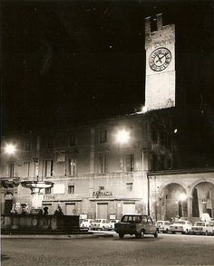 Matelica, 1984 - Piazza Enrico Mattei by night