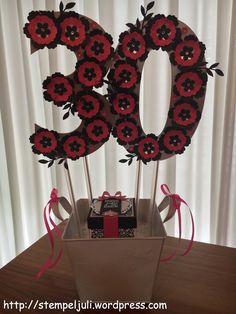 Geldgeschenk 30 Geburtstag Stampin Up Blumen Glitzer Frau schwarz pink wassermelone silber weiss Blumentopf Explosionbox Alexandra Grape kleine Bluete Stiefmuetterchen Strassschmuck