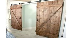 Amazing Shed Plans - 6 idées pour faire soi-même une porte coulissante. Now You Can Build ANY Shed In A Weekend Even If You've Zero Woodworking Experience! Start building amazing sheds the easier way with a collection of shed plans! Sliding Door Systems, Diy Barn Door, Sliding Barn Door Hardware, Sliding Doors, Sliding Cupboard, Wood Barn Door, Gate Hardware, Cupboard Doors, Door Hinges