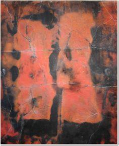 Apparenze 1 2009 Stele cm96x84   Mix di terre raccolte in toscana e ossidi di ferro.  La superficie è colorata con terre rosse.  Cottura effettuata a cielo aperto.  E' ascoltando gli elementi, dialogando con essi, che si manifesta il linguaggio del fuoco. By Giovanni Maffucci