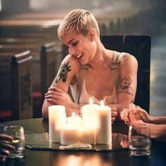 """halsey- """"im lonelyy"""" Pixie Hairstyles, Pixie Haircut, Short Pixie, Pixie Cut, Hopeless Fountain Kingdom, Girl Crushes, Woman Crush, Role Models, Love Her"""