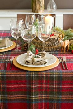 checkered tablecloth and wooden slices - rustic christmas decor