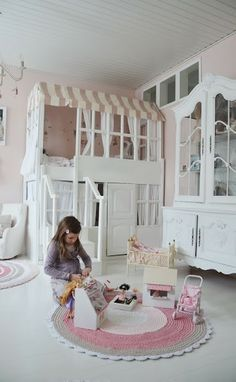 Girls Bedroom Ideas: Bunk Beds and Playhouses