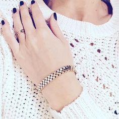 Habt ihr schon alle Weihnachtsgeschenke?  X-Mas is coming soon! ❤️ #siamorejewelry#schmuck#jewelry#rabattcode#armkettchen#bracelet#ring#ootd#fashionista#fashionblogger#jewelrygram#christmasgifts#gifts#xmas#