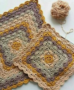 How to make point in range - step by step and video tutorial - Crochet Free Crochet Mandala Pattern, Crochet Square Patterns, Crochet Blocks, Crochet Stitches Patterns, Crochet Squares, Knitting Patterns, Granny Squares, Crochet Afghans, Baby Blanket Crochet