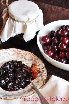 Konfitura z wiśni, wiśnie z rumem w czekoladzie - niebo na talerzu Chocolate Fondue, Rum, Dips, Cooking Recipes, Pudding, Dressings, Sauces, Chef Recipes, Custard Pudding