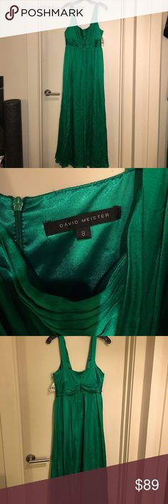 David Meister Emerald Green evening gown sz 8 David Meister Emerald Green floor length gown- beautiful green with buckle detail. Neckline fits somewhat like a sweetheart shape with supportive straps. I can wear a regular bra with this! Back zip. 100% silk - there a some slight snags and creases from being stored but still a gorgeous gown! David Meister Dresses