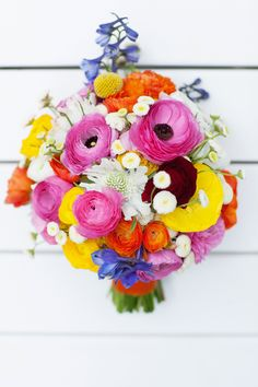 What a merry bouquet! #wedding #bouquet #bridal #flowers #bright #colourful