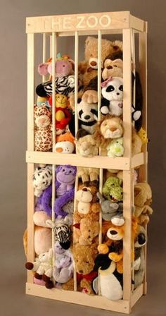 What a great stuffed animal storage idea for a kid's playroom or bedroom! Ideas Para Organizar, Toy Rooms, Kids Rooms, Children Playroom, Toddler Rooms, Playroom For Toddlers, Art Children, Getting Organized, Kids Playing